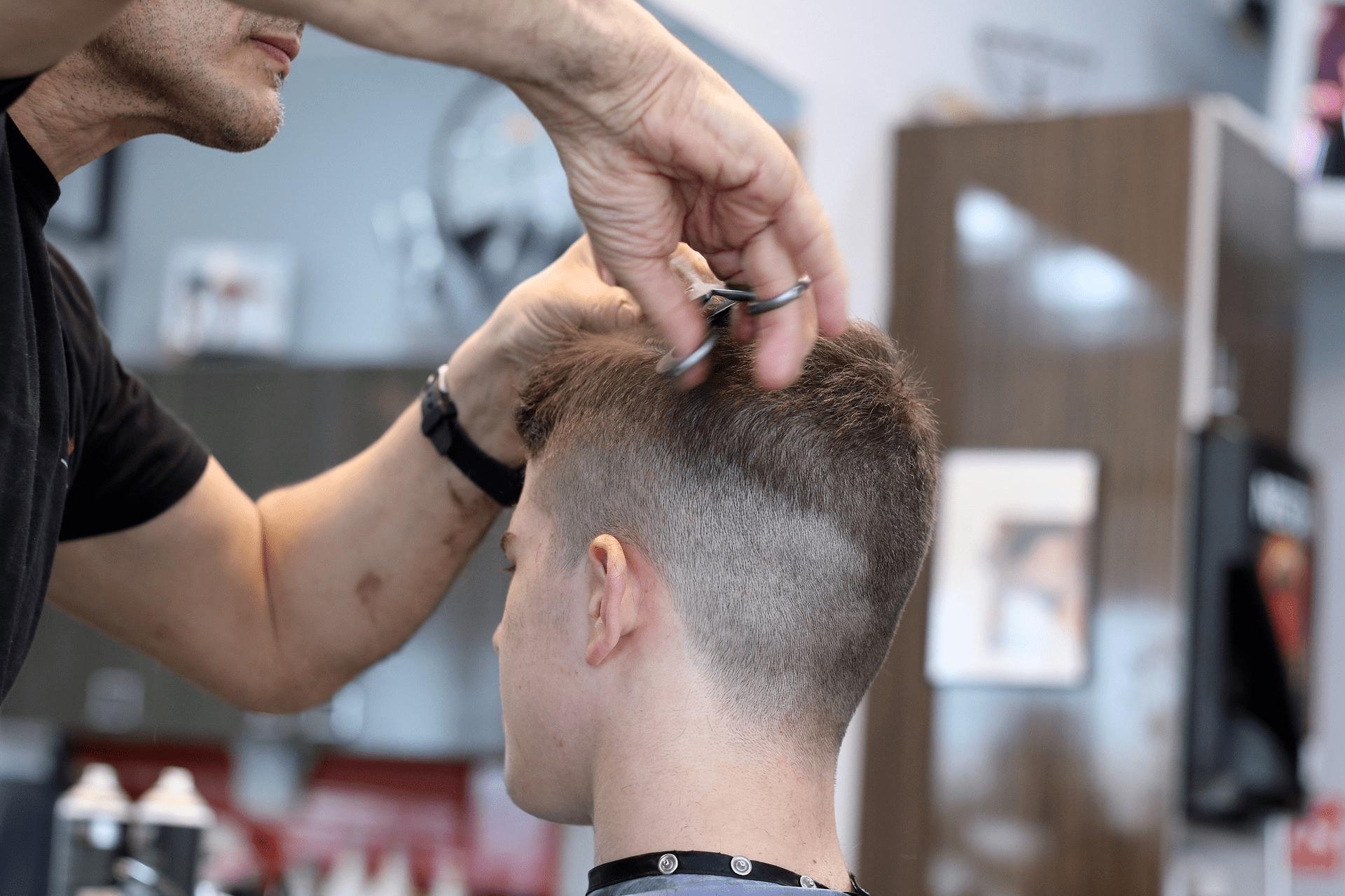 El degradado, uno de los cortes de pelo para hombres de moda este 2021